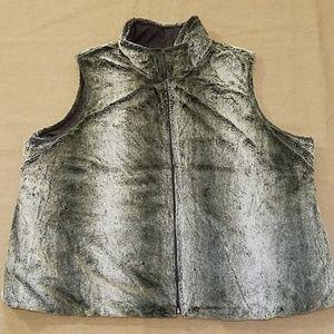 EUC Cato Reversible Plus Faux Fur Vest sz 26/28